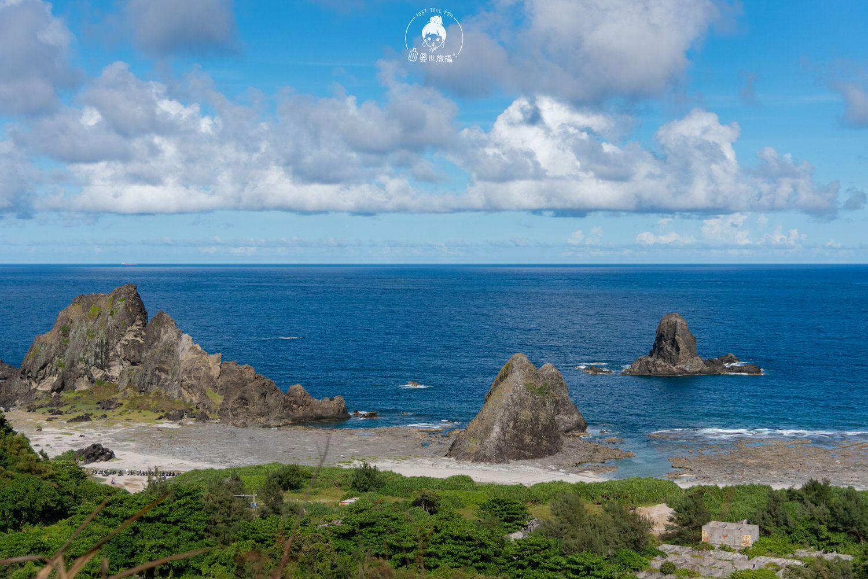 台東、綠島 走進彎弓洞用絕美的藍眼睛看綠島